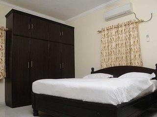 3 bedroom Condo with Elevator Access in Hyderabad - Hyderabad vacation rentals