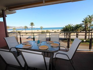 Nice Condo with A/C and Shared Outdoor Pool - Empuriabrava vacation rentals