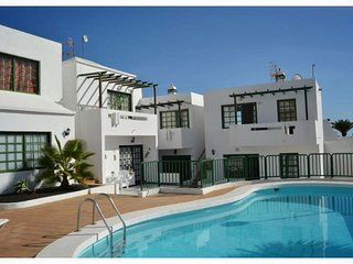 Perfect 2 bedroom Condo in Puerto Del Carmen with Internet Access - Puerto Del Carmen vacation rentals