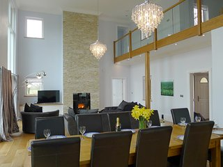 Beautiful 5 bedroom House in Newcastle Emlyn - Newcastle Emlyn vacation rentals