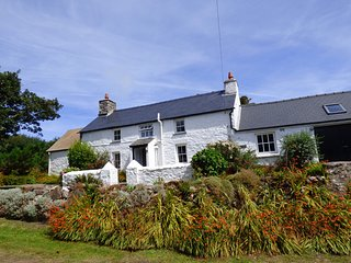 Nice 3 bedroom House in Goodwick - Goodwick vacation rentals