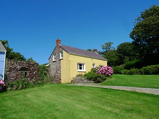 Charming 4 bedroom House in St Brides - St Brides vacation rentals