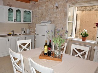 2 bedroom Apartment with Washing Machine in Omis - Omis vacation rentals