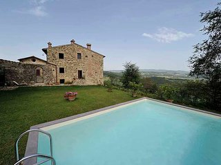 Spacious Villa with Internet Access and Parking Space - Badia a Passignano vacation rentals