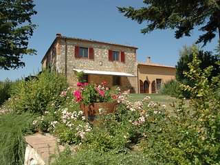 San Giacinto 14 sleeps - Asciano vacation rentals