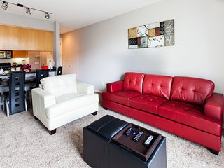 Heaven on Hollywood Vine- 1BR Furnished Apartment - w/ FREE PARKING - Los Angeles vacation rentals