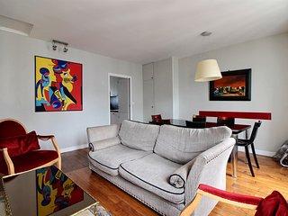 Excellent 3 Bedroom Apartment in Michodiere in Paris - Paris vacation rentals