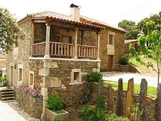 Becca Gold Villa, Bragança, Portugal - Mogadouro vacation rentals