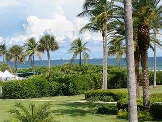 Romantic Condo with Television and Microwave - Sanibel Island vacation rentals