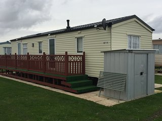 HOMELY 8 BERTH CARAVAN on Golden Palm Resort - Chapel St. Leonards vacation rentals