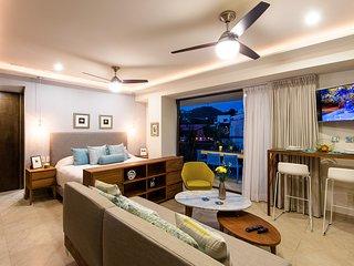 Gorgeous studio in Romantic Zone. - Puerto Vallarta vacation rentals