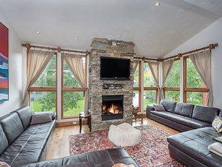 Telluride Lodge 526 - Stunning Mountain Modern Condo In Telluride Town. - Telluride vacation rentals