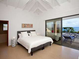 Villa Lobster 4 bedrooms has an amazing view in first ligne on Pinel Island - Cul de Sac vacation rentals