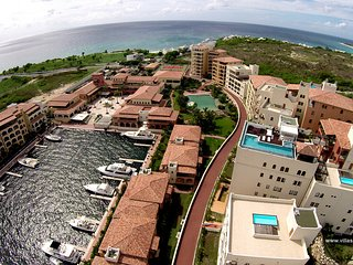 2BR skymoon.villas-apartments.rentals Sint-Maarten up to 6 guests - Cupecoy vacation rentals