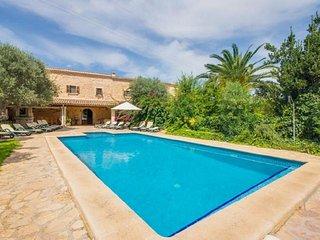 7 bedroom Villa in Buger, Mallorca, Mallorca : ref 4114 - Buger vacation rentals