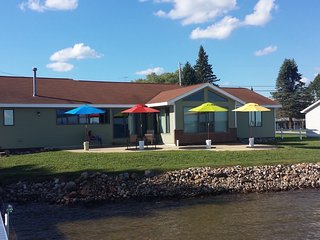 Beautiful Lakefront Property with Plenty of Room - Houghton Lake vacation rentals