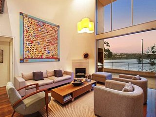 Stunning Waterfront 5BR Mosman Luxury Home PARRI - Balmoral vacation rentals