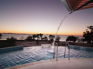 Heaven's Gate - VOTED AUSTRALIA'S BEST BEACH HOUSE - Hideaway Bay - Hydeaway Bay vacation rentals