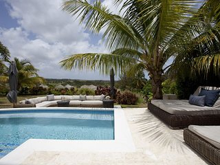 Perfect Villa with Deck and Internet Access - Holetown vacation rentals