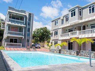 Cozy 2 bedroom Grand Baie Condo with Balcony - Grand Baie vacation rentals