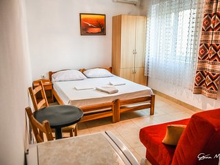 Bright 10 bedroom Ulcinj Apartment with Internet Access - Ulcinj vacation rentals