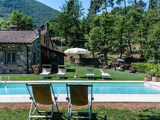 Lovely modern house for 6 people with pool and garden. Lucca area. 10% OFF !! - Vicopelago vacation rentals