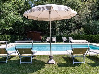Villa Monic for 12 people. Private pool and garden. Close to Lucca. 10% OFF !! - Vicopelago vacation rentals
