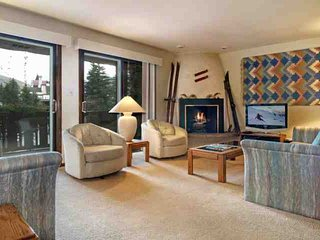 Comfortable Condo, Easy Access to Vail Village & Lionshead, Access to Pool - Vail vacation rentals