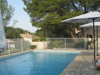 Montpellier villas in France with pools sleeps 5 - Castelnau-le-Lez vacation rentals