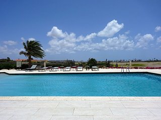 GREAT CONDO Goldcoast: Gym-Pool-Tenniscourts incl. - Noord vacation rentals