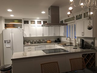 Gorgeous  spacious home. Relax in style Newly remodeled- brand new appliances - Green Valley vacation rentals