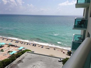 THE TIDES OCEANFRONT 1/1.5 ON 14TH FL - Hollywood vacation rentals