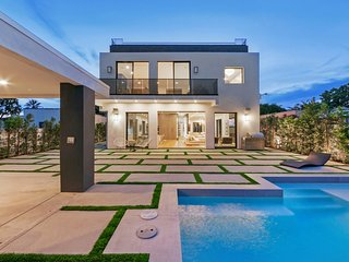 LAD60 Large Modern Home in Melrose - West Hollywood vacation rentals