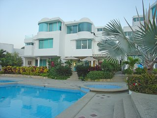 Capaes - Luxury 4 Bedroom Duplex with Pool - Sleeps 8 - Santa Elena vacation rentals