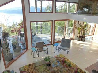 3 Bedroom Oceanview Home in Lions Bay - Lions Bay vacation rentals