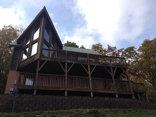 Gorgeous View, Gated Community, D/town Boone 5 Min - Boone vacation rentals