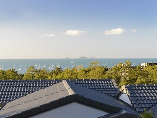 Reef View Apartment - Ocean Views - Cannonvale - Cannonvale vacation rentals