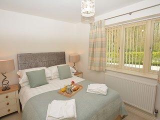 2 bedroom House with Internet Access in Kilburn - Kilburn vacation rentals