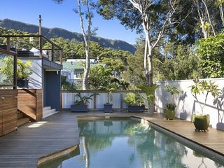 Perfect Cottage with A/C and Television - Thirroul vacation rentals