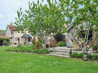 1 bedroom Barn with Internet Access in Corton - Corton vacation rentals