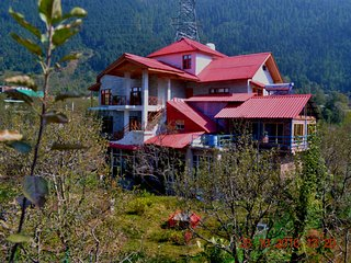 Bharhka Countryside Cottage Resorts - Manali vacation rentals