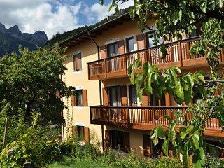 CASA EMILIA  Appartamento Vacanze Molveno - Molveno vacation rentals
