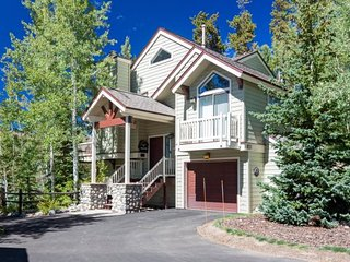 This house has it all - value, location, and beautiful decoration in downtown Breckenridge! Long-term stays welcome! - Breckenridge vacation rentals