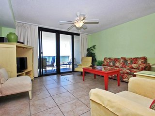 Bright 2 bedroom Orange Beach Apartment with Shared Outdoor Pool - Orange Beach vacation rentals
