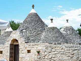 Trullo Felice - for a family of 4 - wifi free - sea at 20' drive - San Michele Salentino vacation rentals