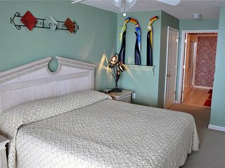 Comfortable 4 bedroom House in North Myrtle Beach with Private Indoor Pool - North Myrtle Beach vacation rentals