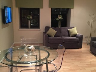 AJR Holiday Apartments Glasgow City Centre - Glasgow vacation rentals
