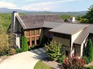 Gorgeous House with Internet Access and A/C - Boone vacation rentals