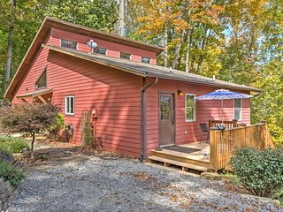 4 BR Waynesville House w/ Decks & Hot Tub - Waynesville vacation rentals