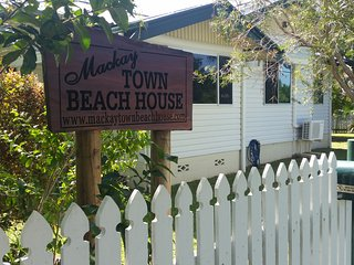 2 bedroom House with A/C in Mackay - Mackay vacation rentals